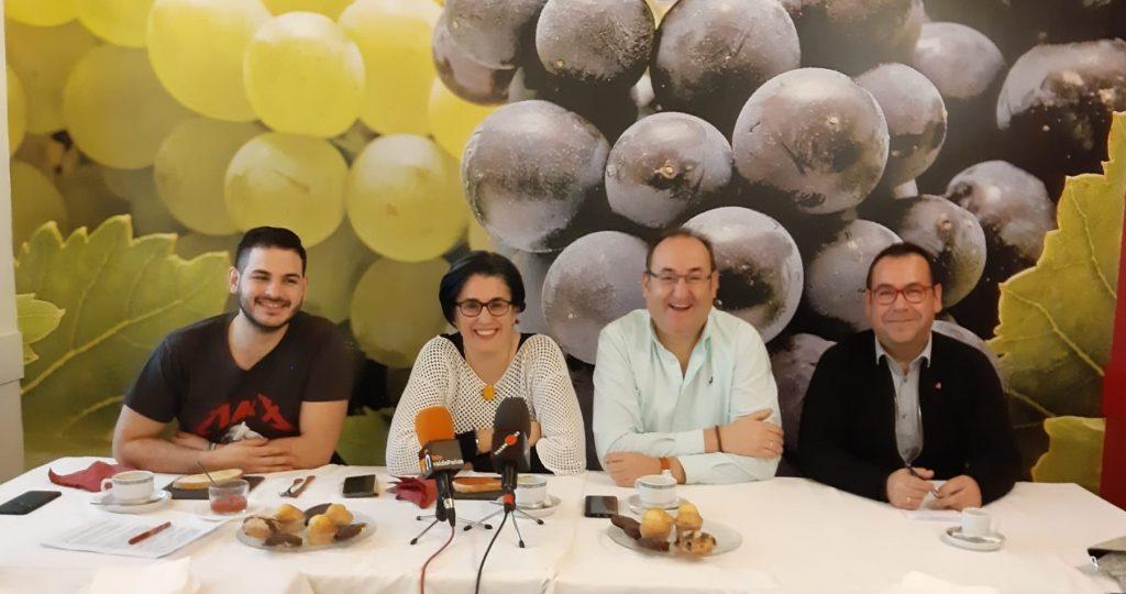 Alberto Parrilla, Juana Caro, Gregorio Sánchez y Juan Ramón Crespo en el desayuno con los medios de Valdepeñas